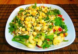 těstovinový veganský salát