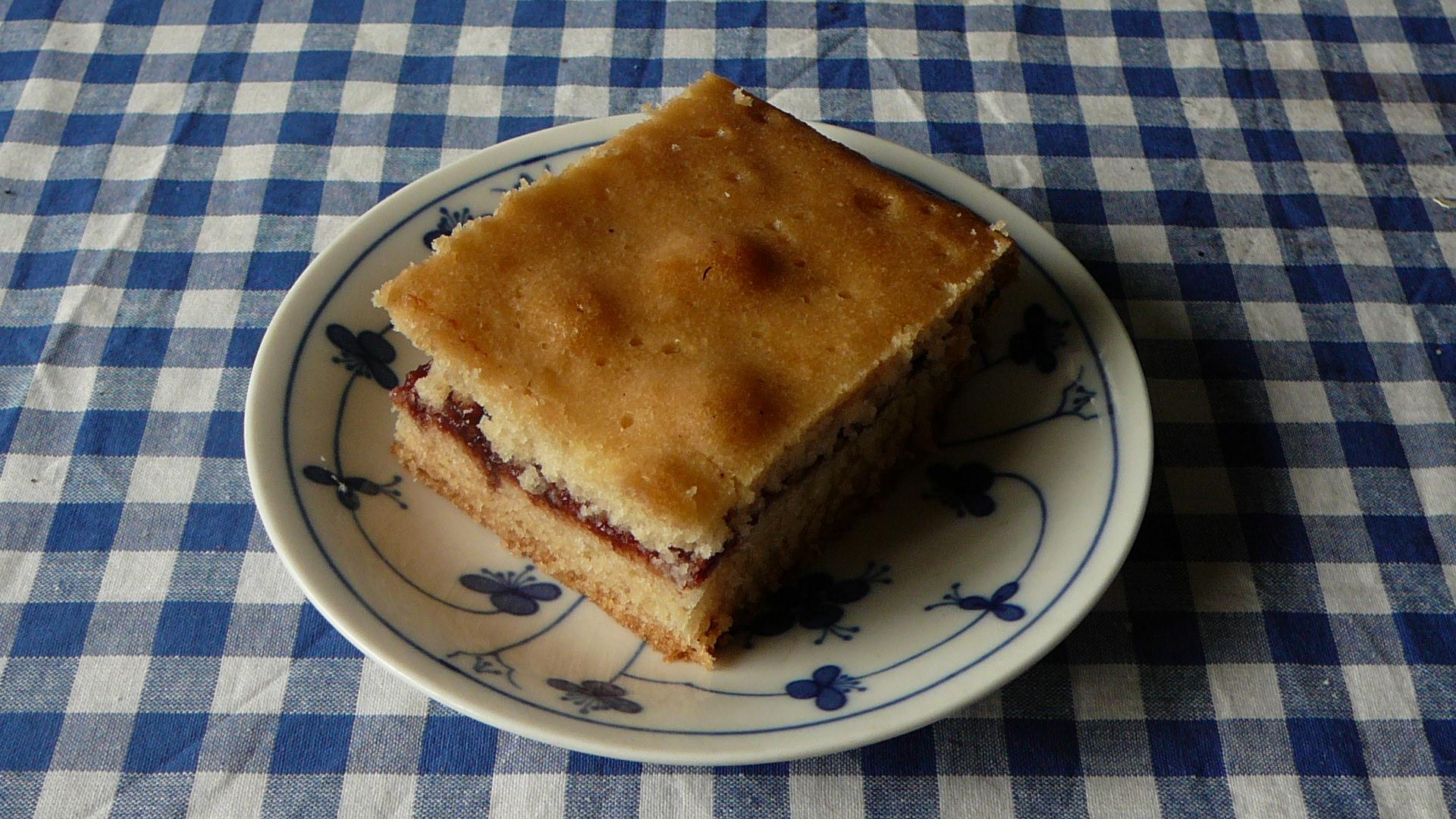 Vanilková buchta s marmeládou