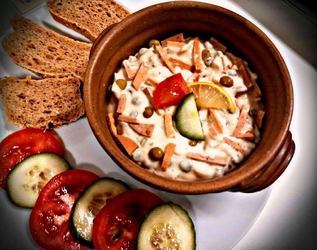 Domácí veganský pařížský salát