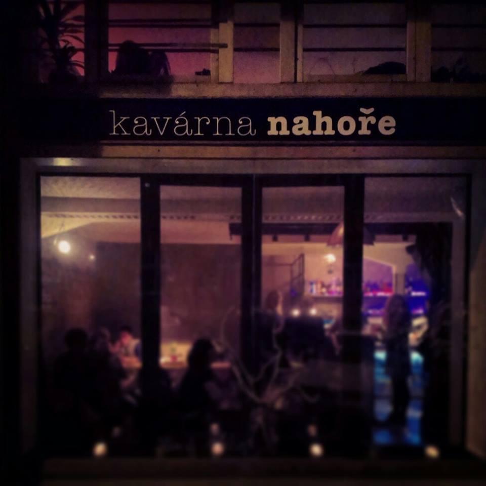 http://www.vegmania.cz/sites/default/files/restaurace/kavarana_nahore_01.jpg