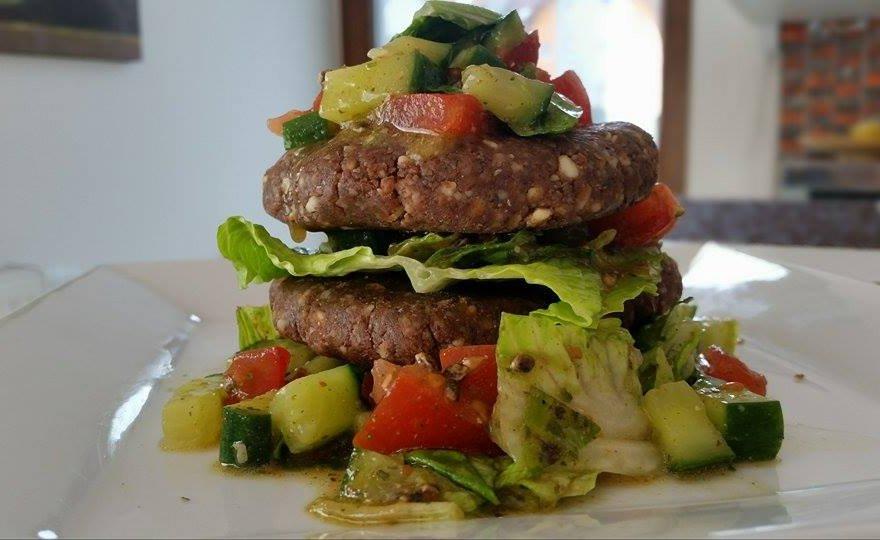 Mandlový raw burger