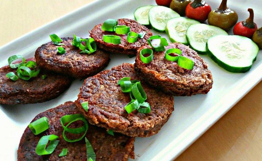 Burger z quinoi a červených fazolí