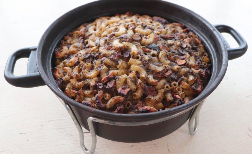 Zapečené těstoviny s houbami, špenátem a tempehem