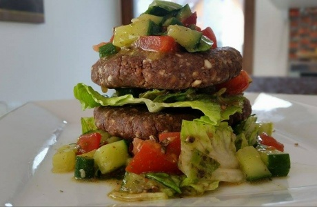 Mandlový raw burger