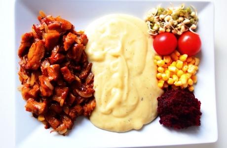 Marinovaný seitan s bramborovou kaší