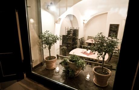 ESTRELLA restaurant