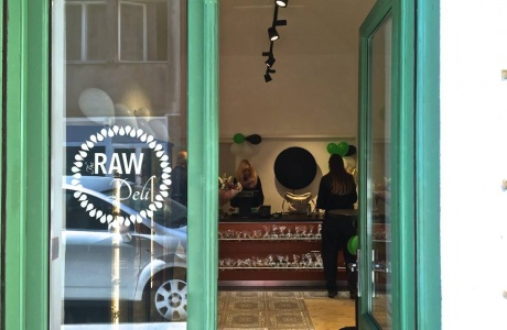 The Raw Deli