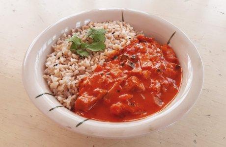 Rychlá curry omáčka se seitanem