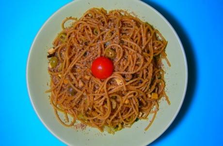 Špagety s tofu a sezamezánem