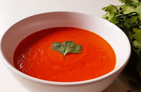 Thajská rajčatová polévka