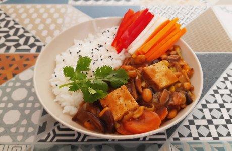 """Tofu """"čína"""" s rýží"""