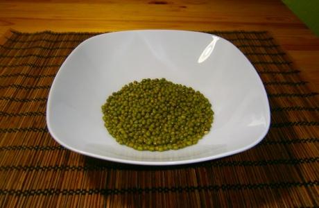 suché fazolky mungo namočíme na 12 hodin