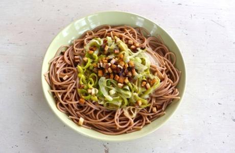 Špagety s pórkovou omáčkou